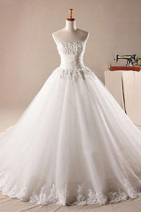 Lace Appliques Sweetheart Floor Length Tulle Wedding Gown Featuring Lace-Up Back and Train